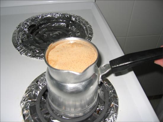 القهوة الفرنسية المقادير ========= ملعقة صغيره قهوه فرنسيه علبة واحده
