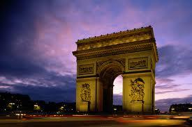 مدينة باريس ......