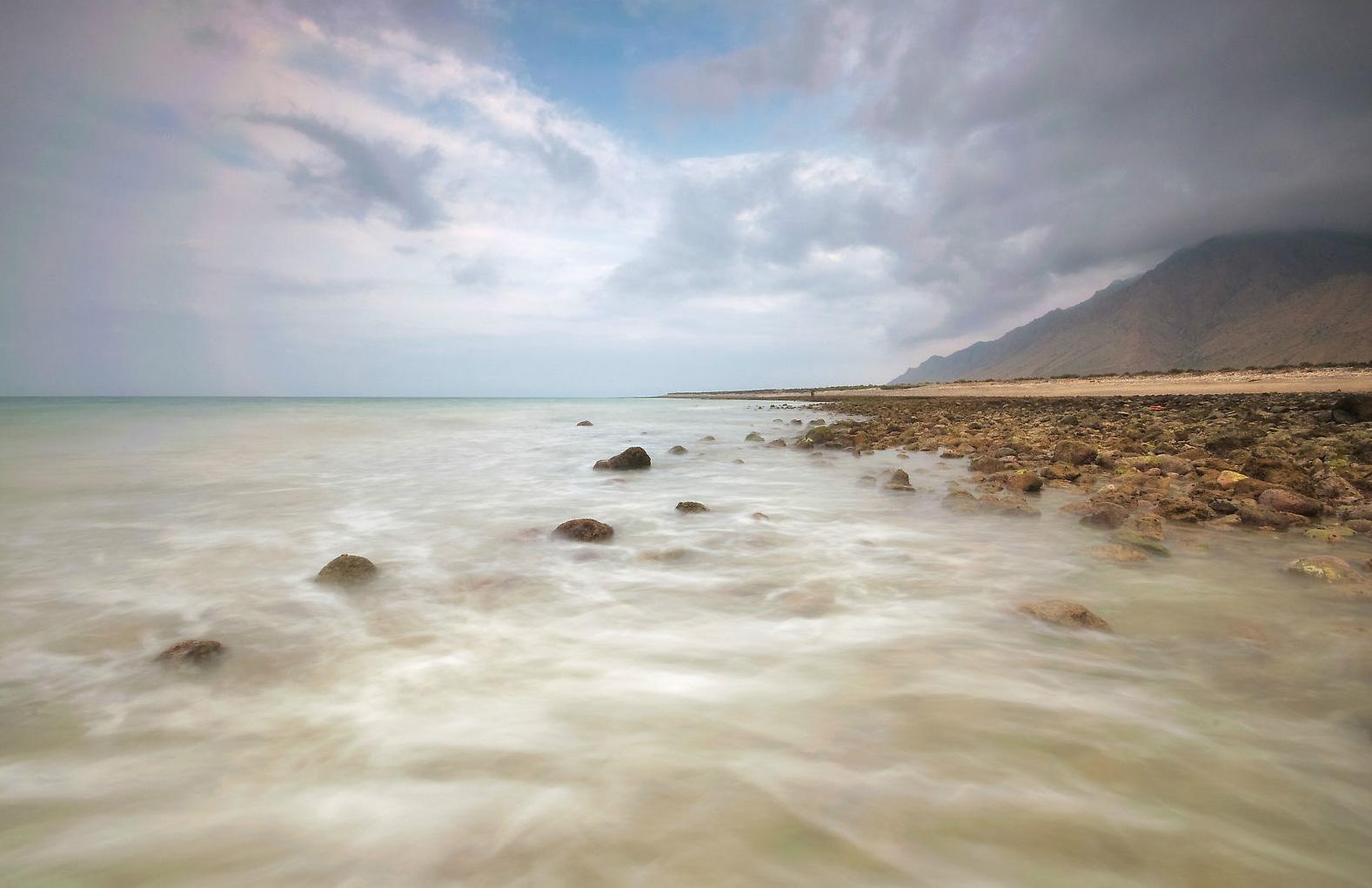 شاطئ السيفة Size:293.30 Kb Dim: 1577 x 1021