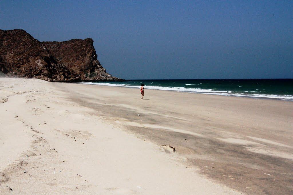 شاطئ السيفة Size:76.80 Kb Dim: 1024 x 683