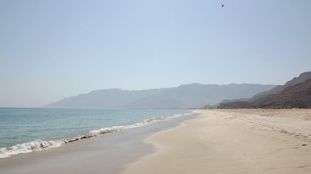 شاطئ السيفة Size:31.60 Kb Dim: 1024 x 576