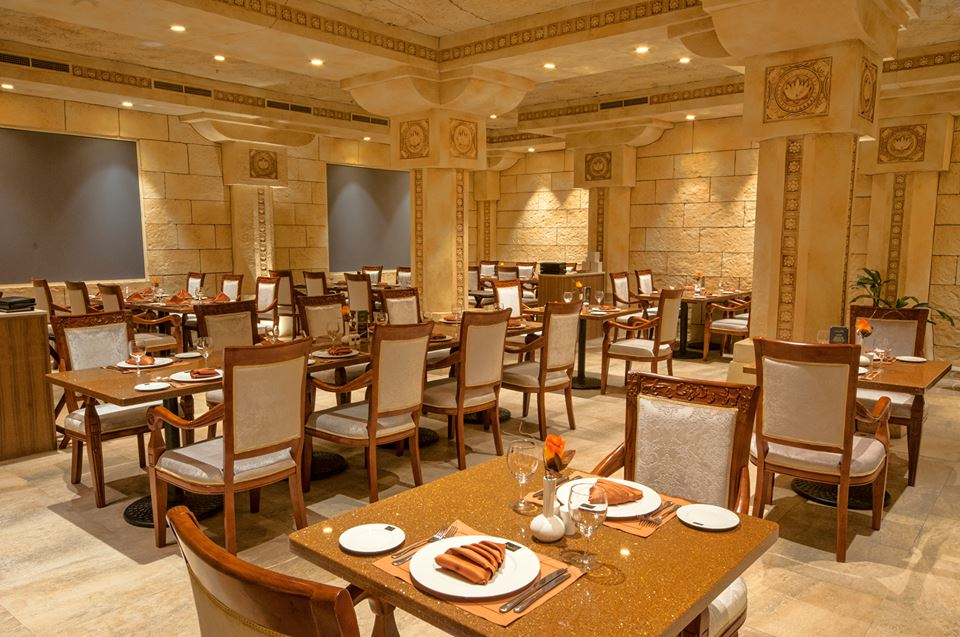 مطاعم الكهف Size:120.60 Kb Dim: 960 x 637