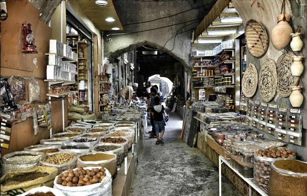 سوق نزوى التراثي Size:344.80 Kb Dim: 1000 x 640