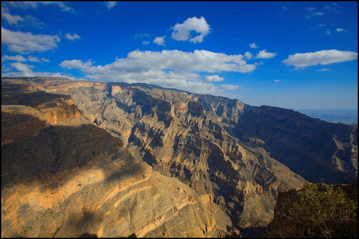 جبل شمس والفالق العظيم Size:212.30 Kb Dim: 1152 x 768