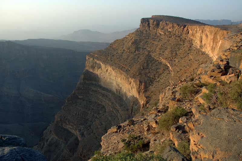 جبل شمس والفالق العظيم Size:49.70 Kb Dim: 800 x 532