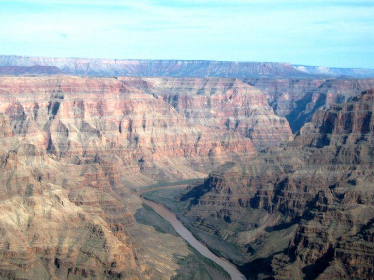 جبل شمس والفالق العظيم Size:75.20 Kb Dim: 770 x 577
