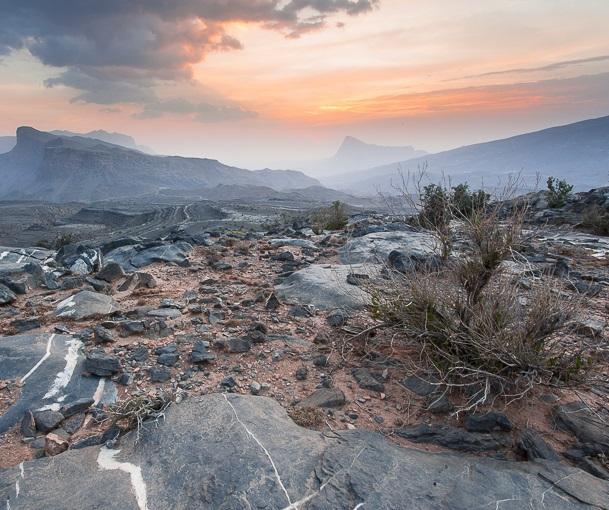 جبل شمس والفالق العظيم Size:179.20 Kb Dim: 609 x 510