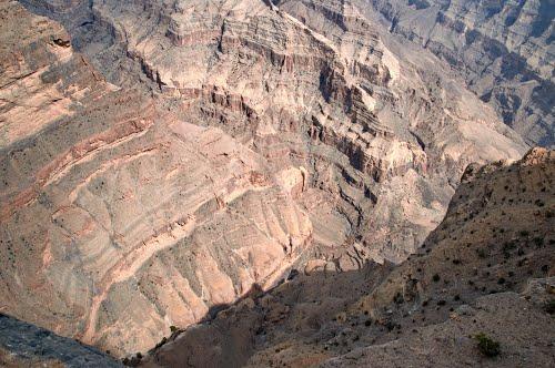 جبل شمس والفالق العظيم Size:55.20 Kb Dim: 500 x 332