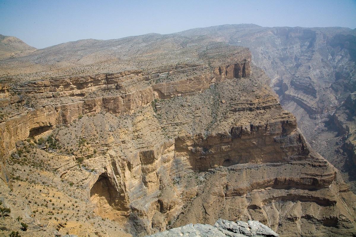 جبل شمس والفالق العظيم Size:590.40 Kb Dim: 1200 x 800