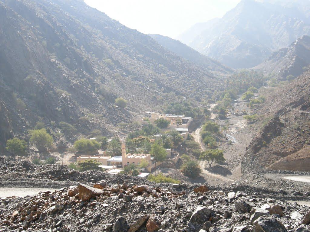 وادي بني غافر Size:171.20 Kb Dim: 1024 x 768