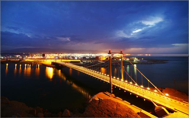 جسر خور البطح Size:154.70 Kb Dim: 640 x 402