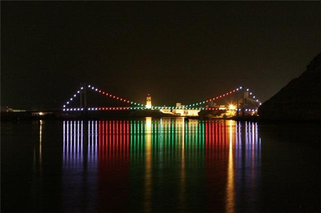 جسر خور البطح Size:24.40 Kb Dim: 640 x 426