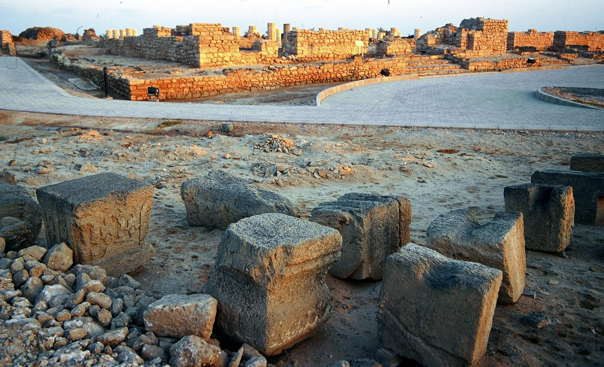 مدينة البليد الأثرية Size:318.50 Kb Dim: 1225 x 745