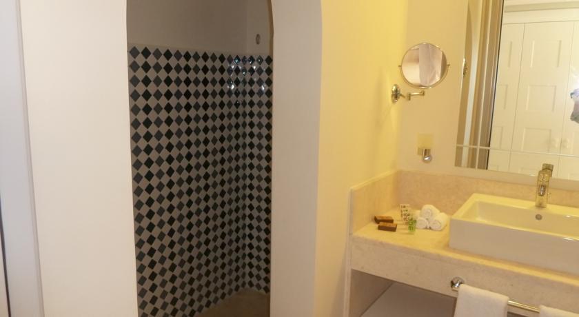فندق بوتيك جويرة Size:34.60 Kb Dim: 840 x 460