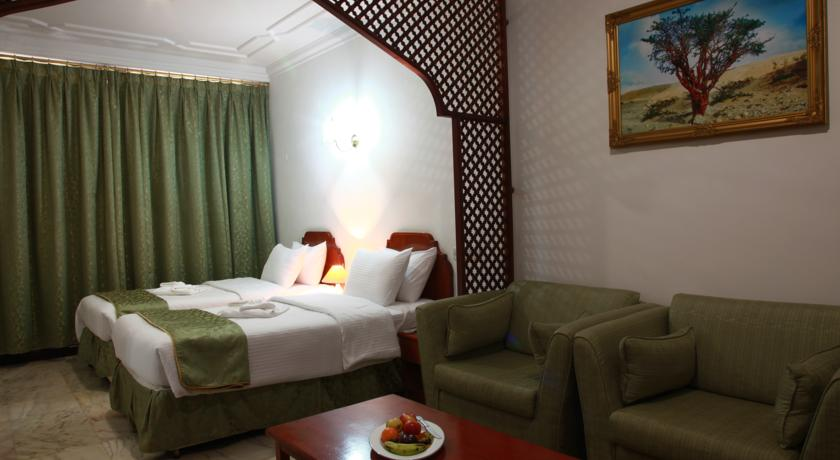 فندق بيت الحافة Size:44.80 Kb Dim: 840 x 460