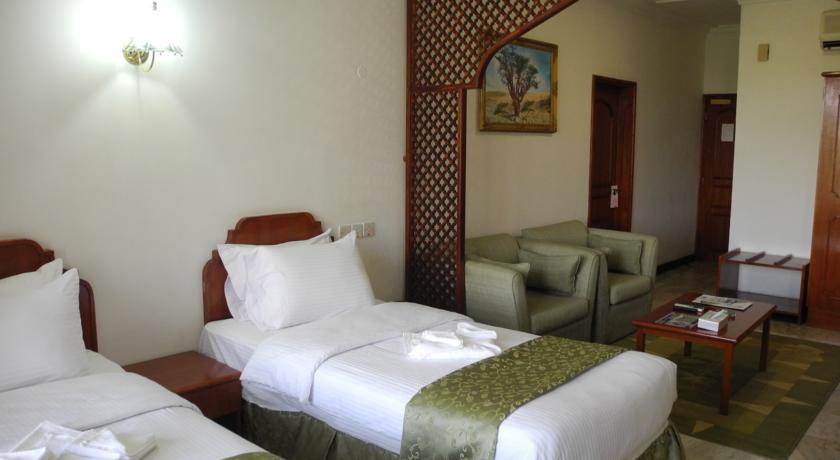 فندق بيت الحافة Size:36.60 Kb Dim: 840 x 460