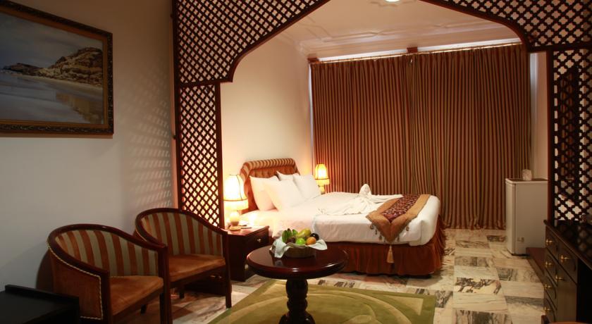 فندق بيت الحافة Size:58.30 Kb Dim: 840 x 460