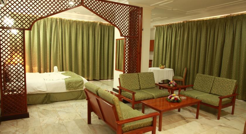 فندق بيت الحافة Size:70.10 Kb Dim: 840 x 460