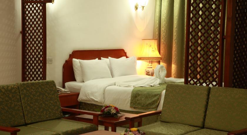 فندق بيت الحافة Size:50.60 Kb Dim: 840 x 460