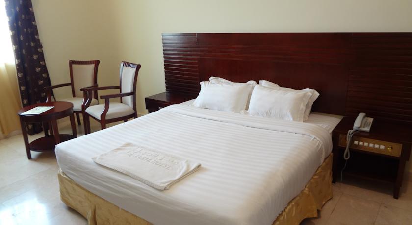 فندق الجبل Size:33.90 Kb Dim: 840 x 460