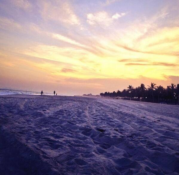 شاطئ الحافة Size:42.80 Kb Dim: 599 x 586