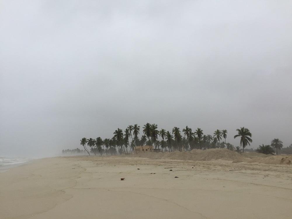 شاطئ الحافة 2016 Size:109.80 Kb Dim: 1000 x 750