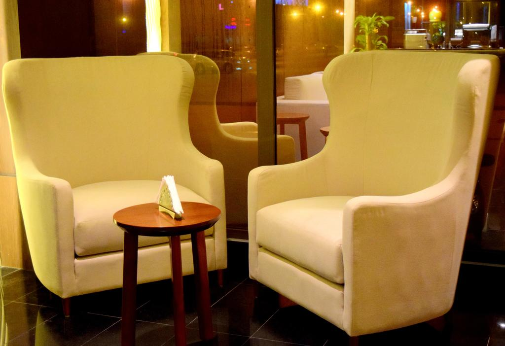 فندق انترسيتس Size:64.30 Kb Dim: 1024 x 702