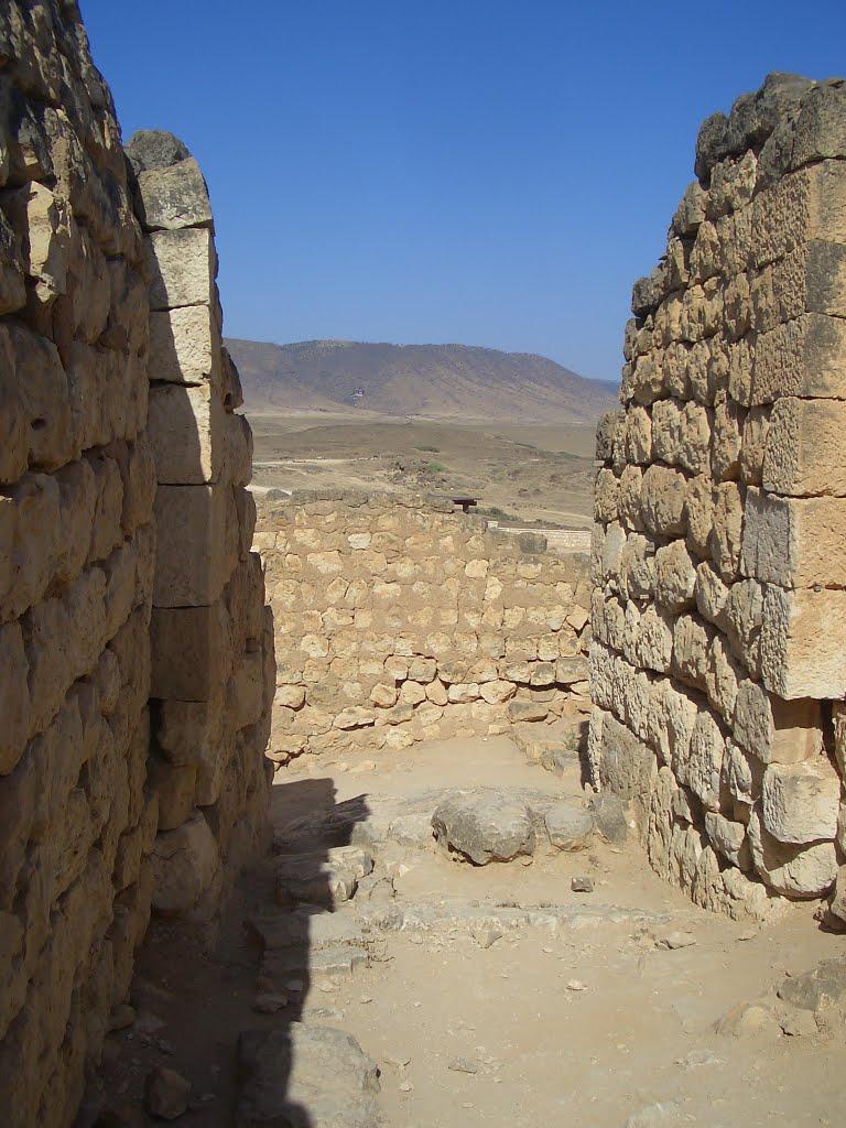 ميناء سمهرم الأثري Size:139.60 Kb Dim: 768 x 1024