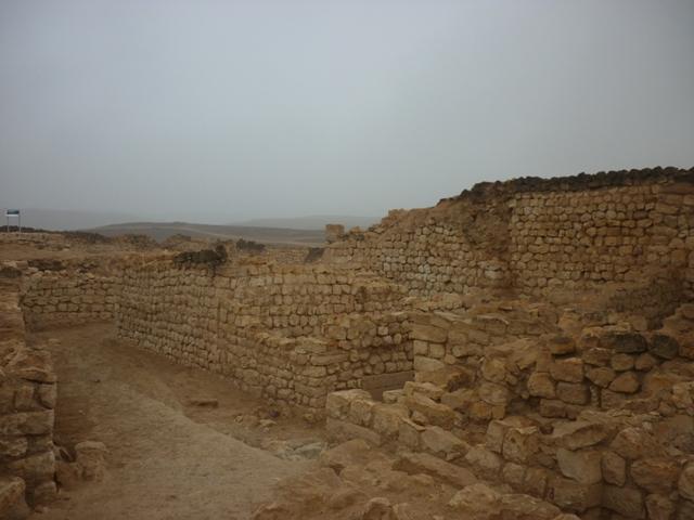 ميناء سمهرم الأثري Size:182.40 Kb Dim: 640 x 480