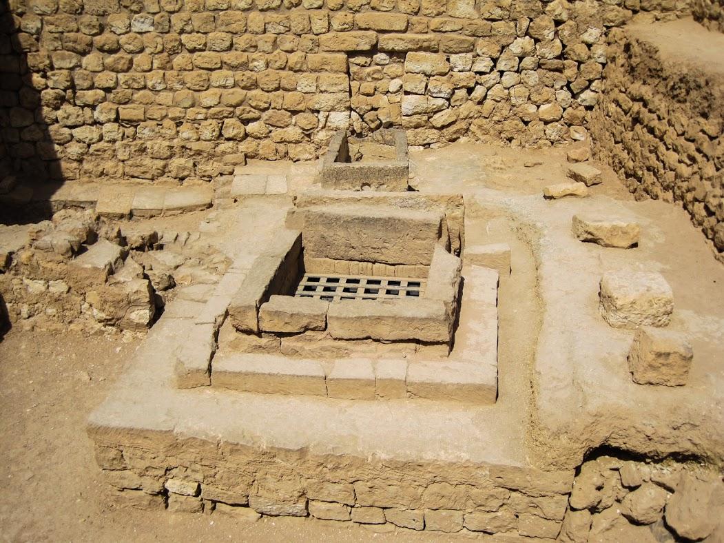 ميناء سمهرم الأثري Size:282.50 Kb Dim: 1051 x 788