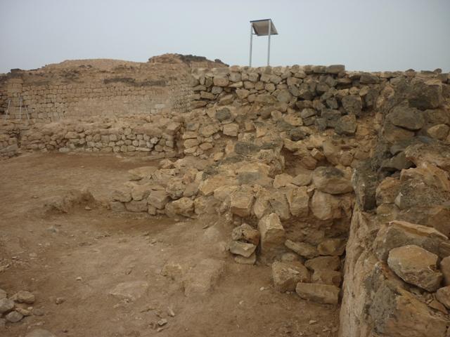 ميناء سمهرم الأثري Size:225.30 Kb Dim: 640 x 480