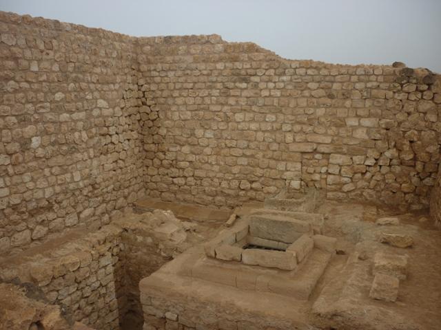ميناء سمهرم الأثري Size:229.40 Kb Dim: 640 x 480