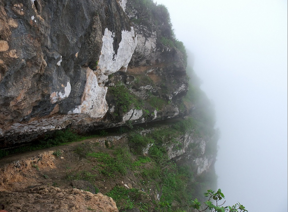 جبل رأس ساجر Size:313.60 Kb Dim: 1006 x 743