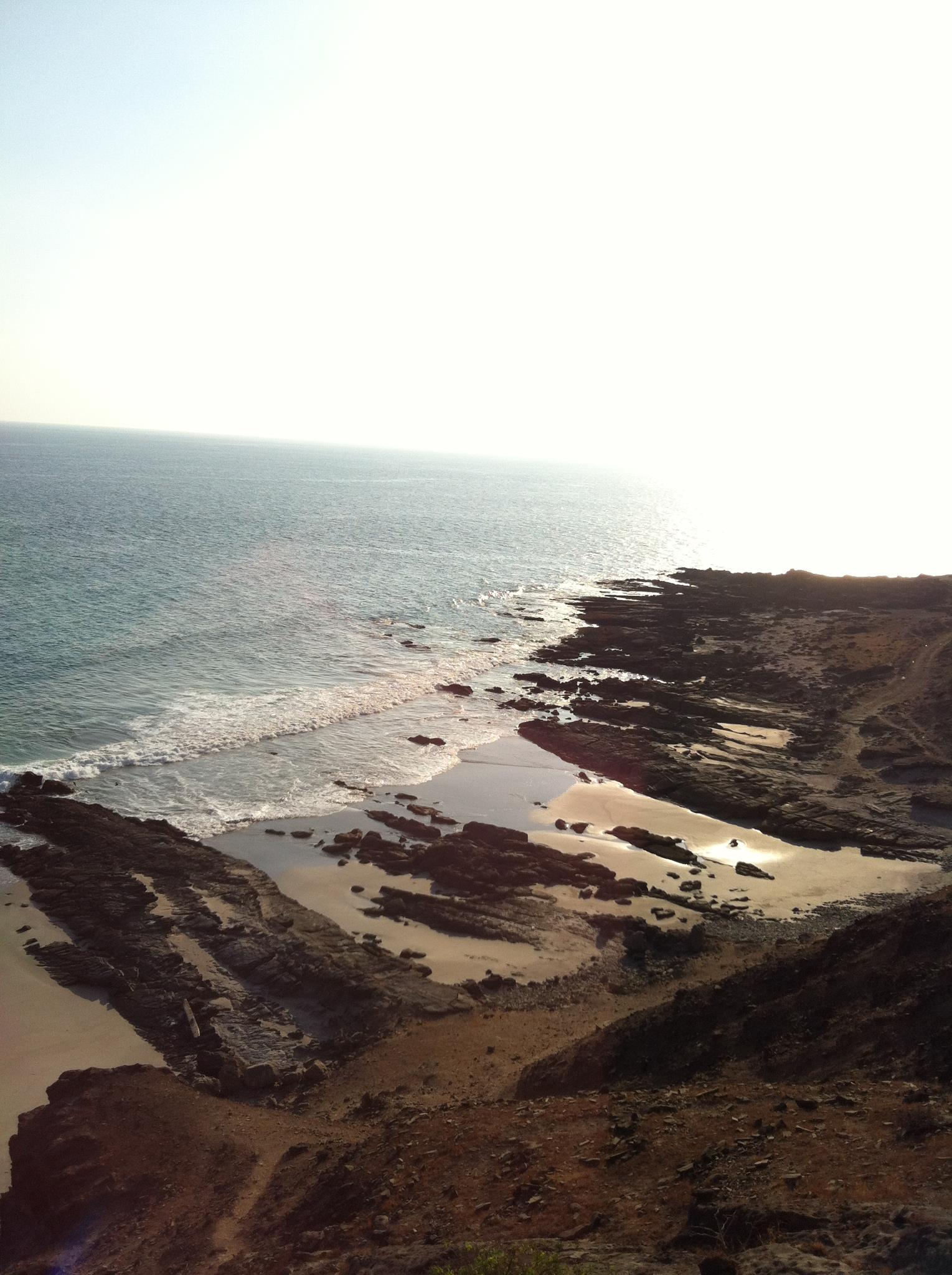 شاطئ الحوطة بولاية رخيوت Size:315.20 Kb Dim: 1529 x 2048