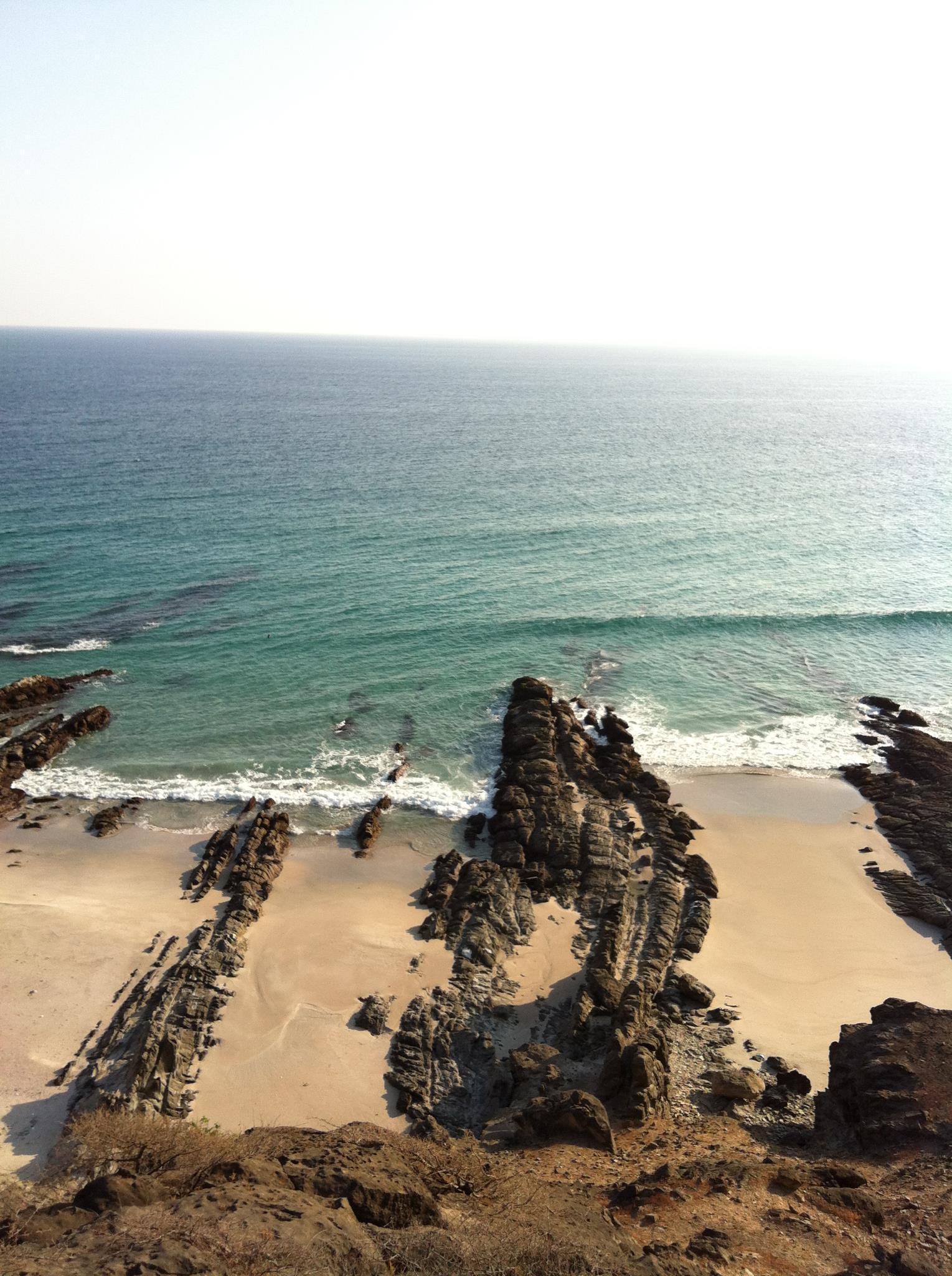 شاطئ الحوطة بولاية رخيوت Size:402.00 Kb Dim: 1529 x 2048