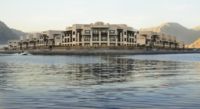 فندق أتانا مسندم Size:59.10 Kb Dim: 840 x 460