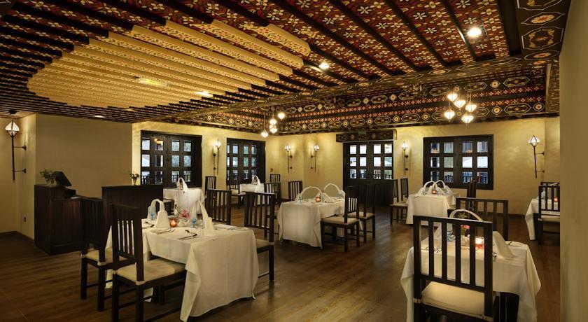 فندق أتانا مسندم Size:81.20 Kb Dim: 840 x 460