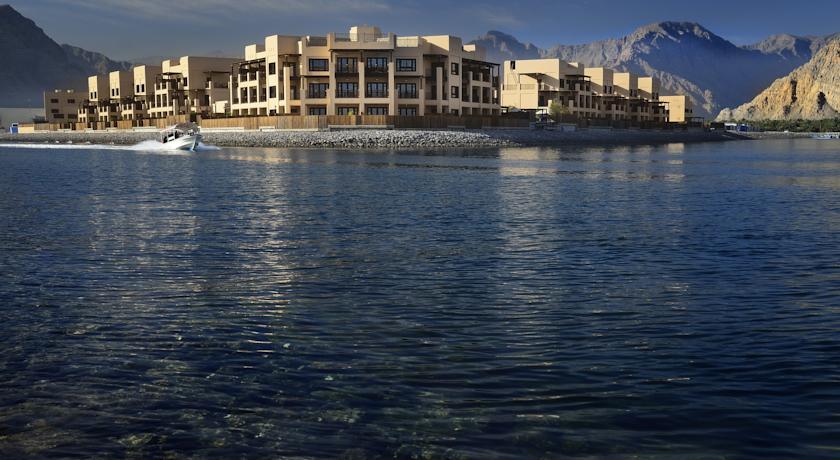 فندق أتانا مسندم Size:67.80 Kb Dim: 840 x 460