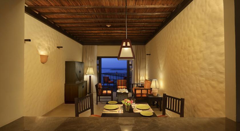 فندق أتانا مسندم Size:44.00 Kb Dim: 840 x 460