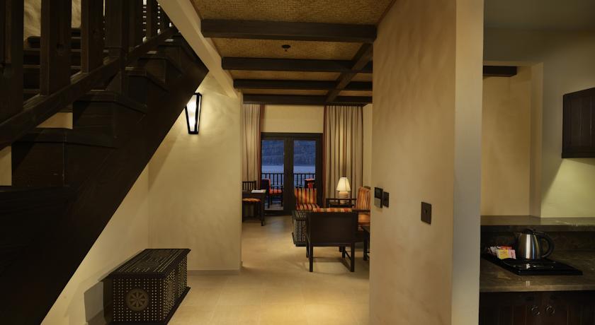 فندق أتانا مسندم Size:34.50 Kb Dim: 840 x 460