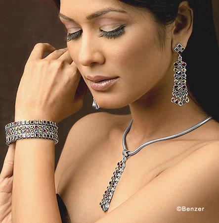 اكسسوارات هندية تحفة 2012