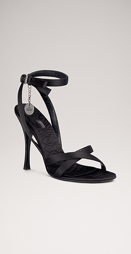 احذية هتعجبكوا جدا قولولى اية رايكم 988_101055_1165337853